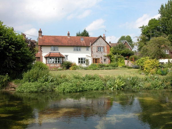 Cottage on the banks of the River Test