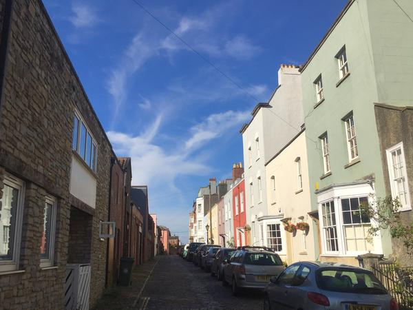 Chilled out elderly pooch and pretty Georgian house – 5 minutes walk from central Bristol