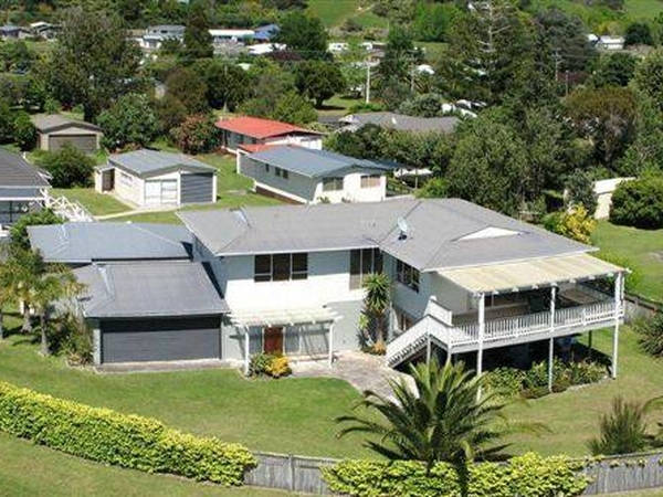 Housesitting assignment in Whitianga, New Zealand