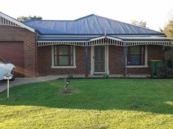 Housesitting assignment in Pakenham East, Victoria, Australia