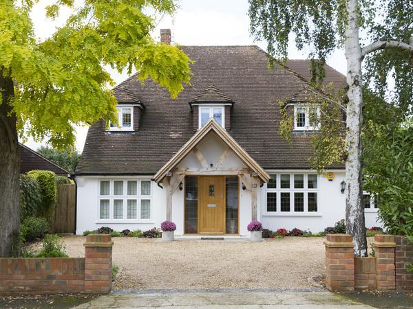 Housesitting assignment in Stoke d'Abernon, United Kingdom