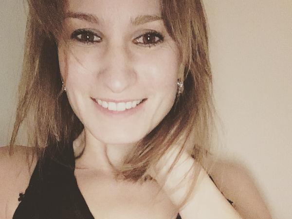Samantha from Toronto, Ontario, Canada
