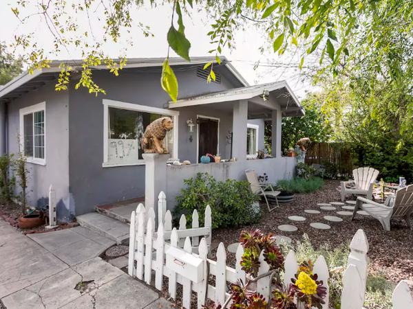 Housesitting assignment in Altadena, California, United States