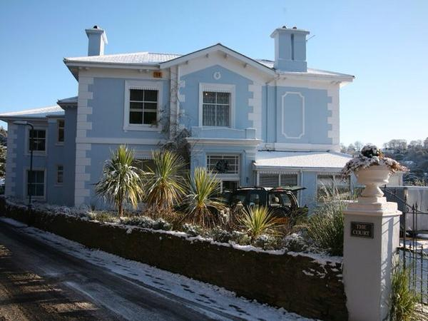 Housesitting assignment in Torquay, United Kingdom