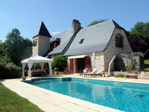 pet/house-sitter(s) needed for 2 dogs & 2 cats // Lot-Dordogne // beautiful gite // ca. 16 Sept.-16 Dec. 2017