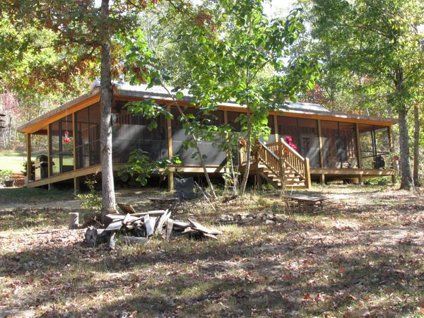 Rural Off-the-Grid Tennessee Cabin Home, 30 miles to Walmart!