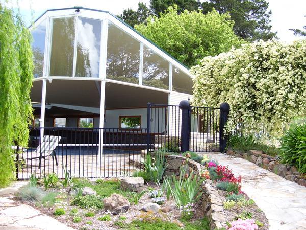Housesitting assignment in Armidale, NSW, Australia