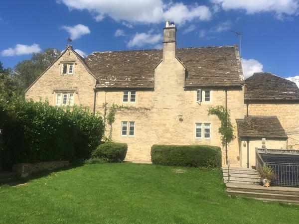 Housesitting assignment in Corsham, United Kingdom