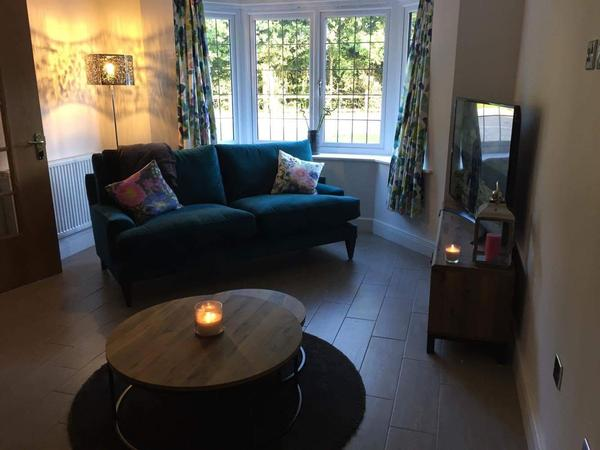 Housesitting assignment in Bracknell, United Kingdom