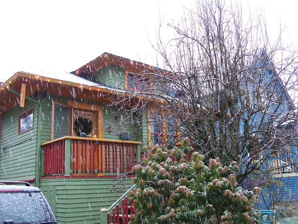 Housesitter needed for Seattle