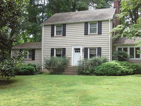 Housesitting assignment in Annandale, VA, United States