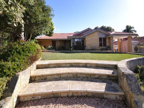 Housesitting assignment in Edgewater, WA, Australia