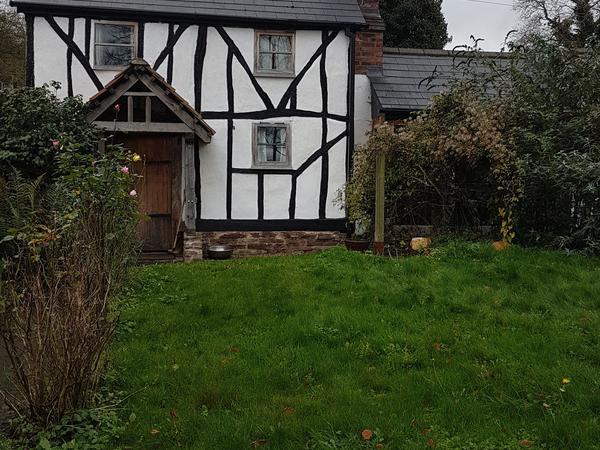 Housesitting assignment in Moreton on Lugg, United Kingdom