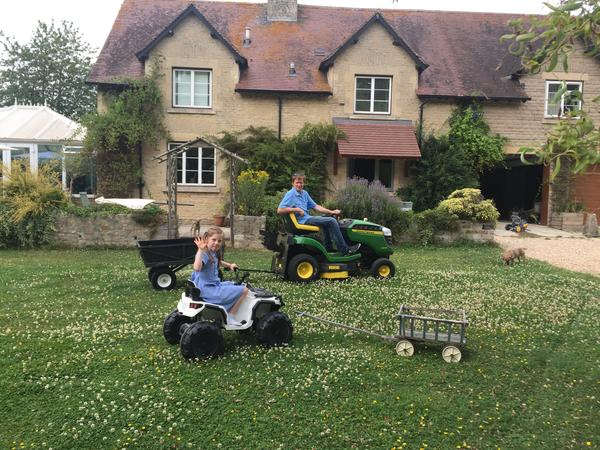 Looking for sitter(s) for 2 weeks in country side near Lechlade.