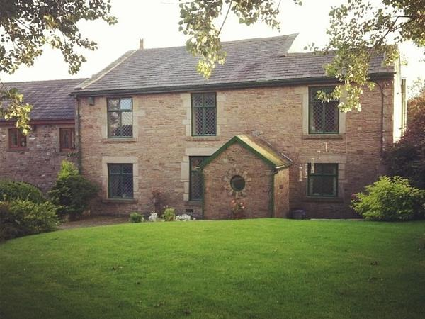 Housesitting assignment in Darwen, United Kingdom