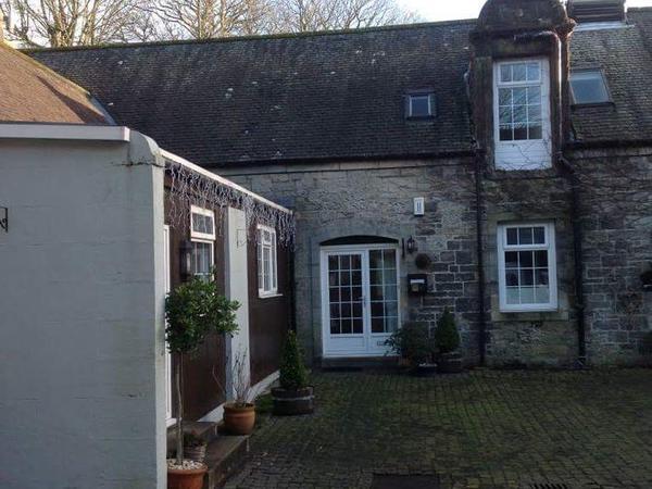 Housesitting assignment in Mugdock, United Kingdom