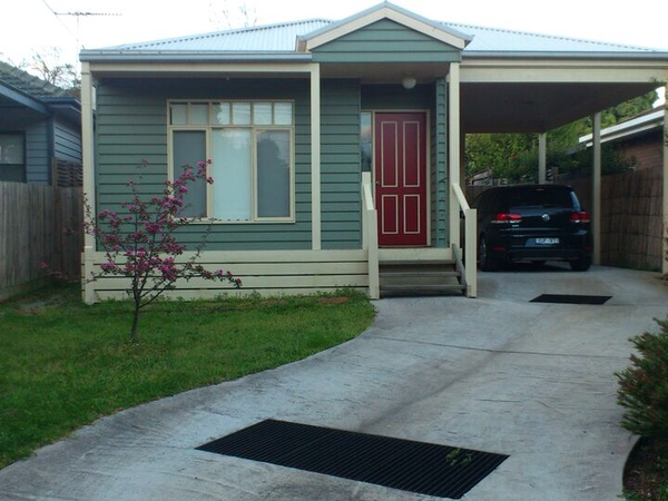 Housesitting assignment in Forest Hill, VIC, Australia