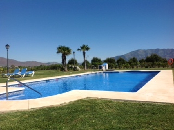House and Cat Sitter needed  9th of september until 17 th of  September/ Marbella, Mijas Spain