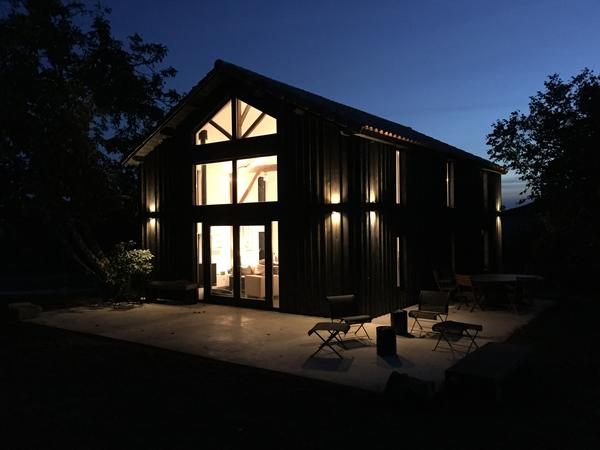 Dordogne: stunning modern barn conversion with far-reaching views & loving black lab!