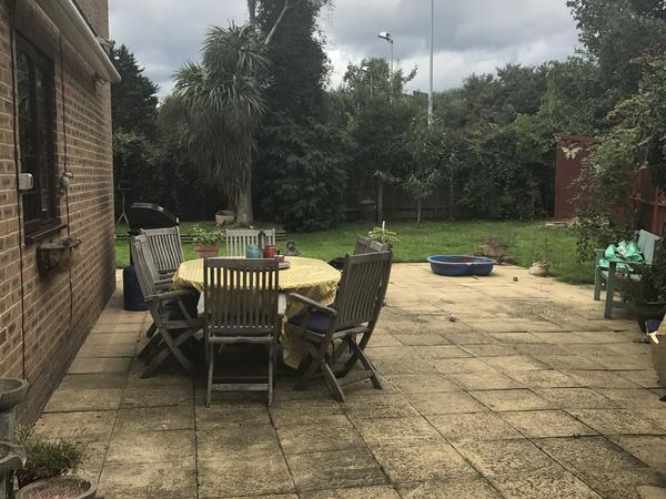 Housesitting assignment in Egham, United Kingdom