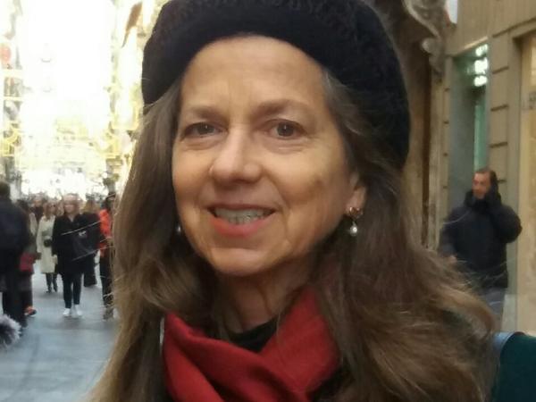 Joanne from Zagarolo, Italy