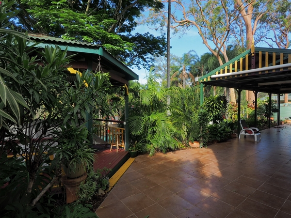 Four weeks in Brisbane January 03/2017 to February 03/2017.  Please do not apply if you have no interest in a garden.