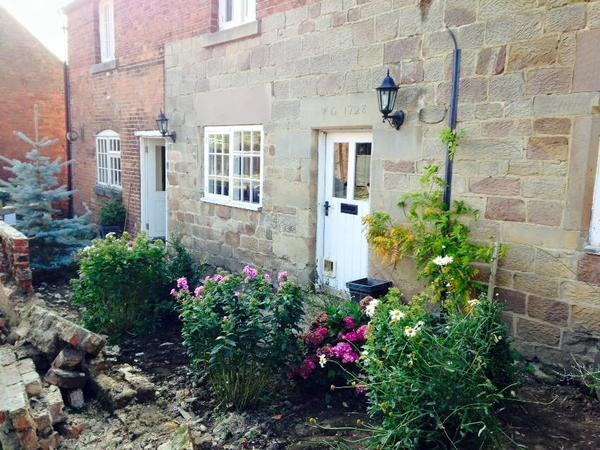 Housesitting assignment in Ashbourne, United Kingdom
