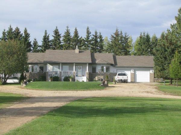 Housesitting assignment in Rolly View, Alberta, Canada