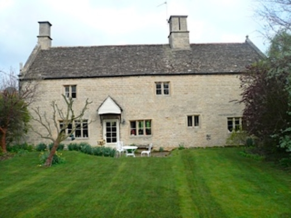 House, dog and cat sitter required for listed farmhouse near Georgian Stamford in E England.