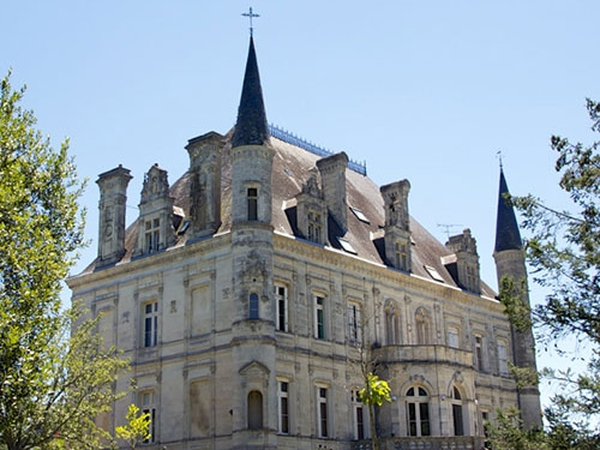 Housesit at a Chateau?