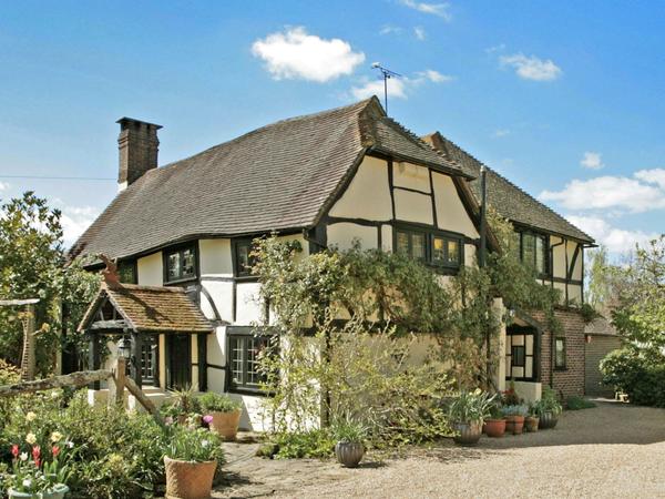 Housesitting assignment in Pulborough, United Kingdom