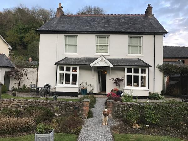 Housesitting assignment in Dulverton, United Kingdom