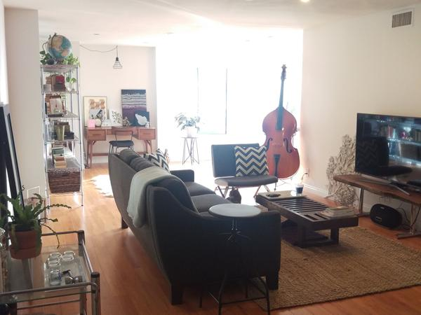 Housesitting assignment in Glendale, California, United States
