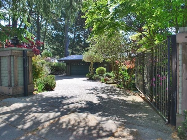 Gated Skyline Blvd home with sweet old Lhasa.