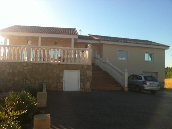 Housesitting assignment in Chiva, Spain