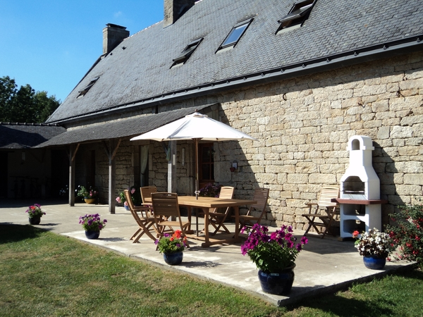 House/pet sitters required for French Manoir